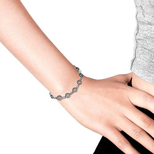 AeraVida Celtic Knot Donut .925 Sterling Silver Link Bracelet