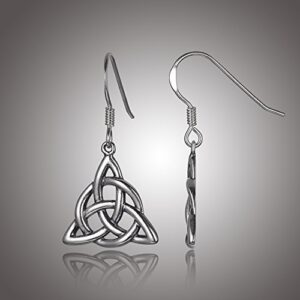 earrings with triquetra knot and circle interlaced in the shape of a triangle